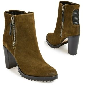 ■Dolce Vita■ (9.5) Olive Icarus Booties